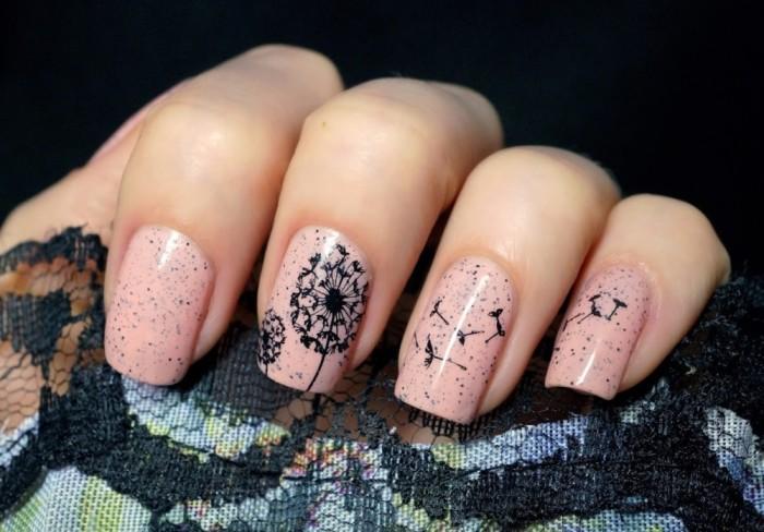 Стемпинг на ногтях.