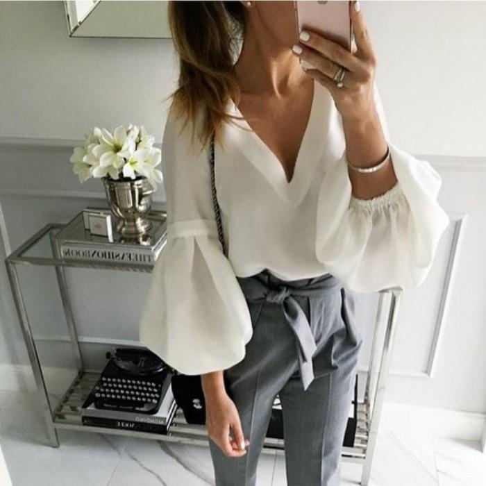 блузка с обьемными рукавами.
