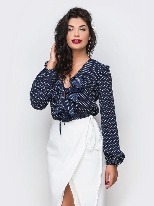 Блузка с воланами.