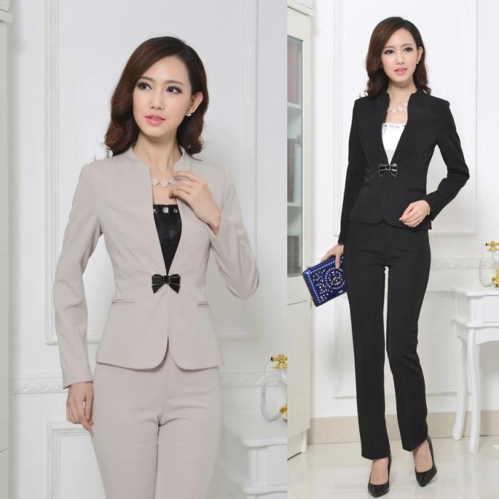 Женский деловой костюм.