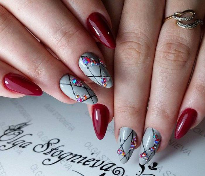 Геометрия на ногтях .