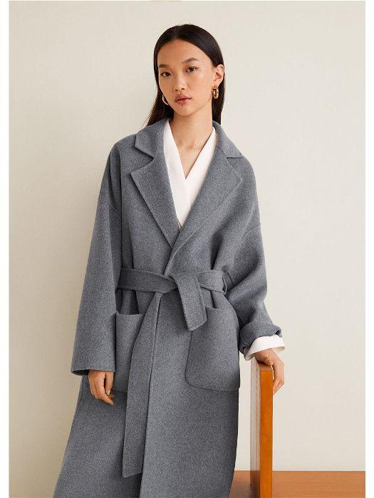 пальто халат серого цвета.
