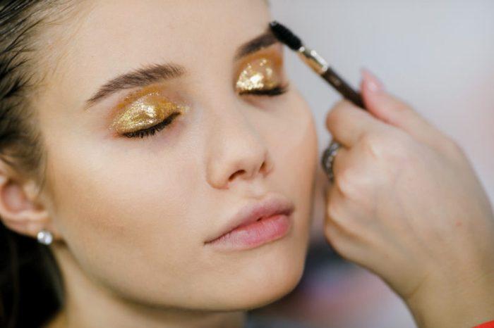 Золотой макияж глаз.