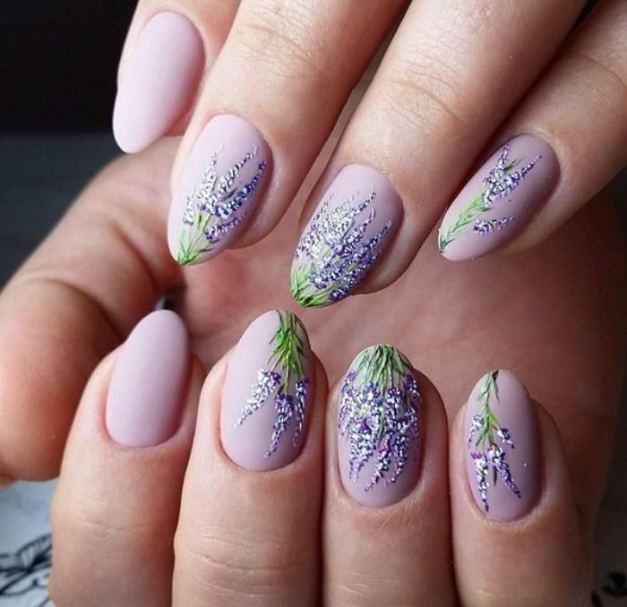 Романтический дизайн ногтей.