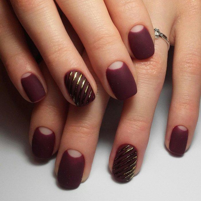 Лунный дизайн ногтей.