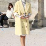 Пальто с короткими рукавами.