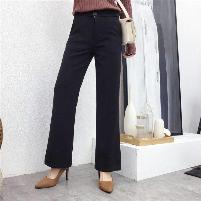 Черные офисные брюки.