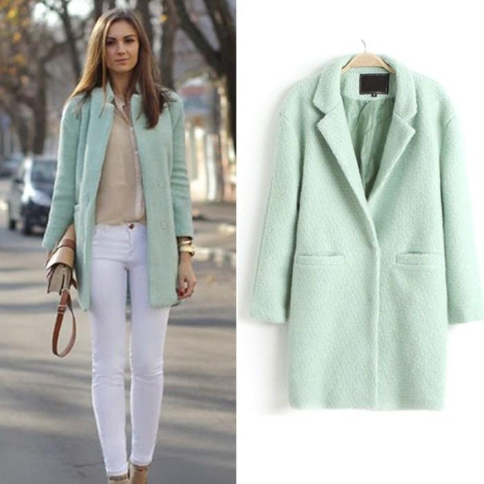 Пальто короткое бирюзовое.