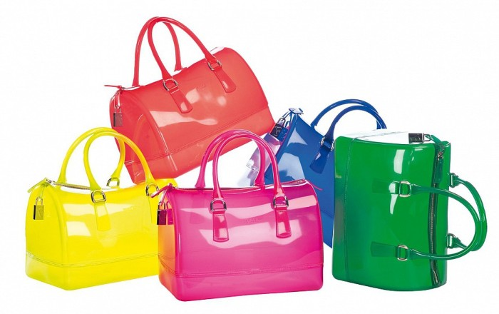Яркие сумки.