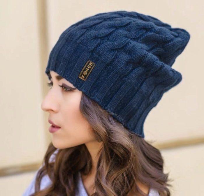 Синяя шапка.