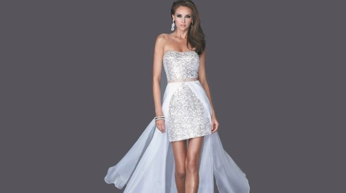 платье со шлейфом.