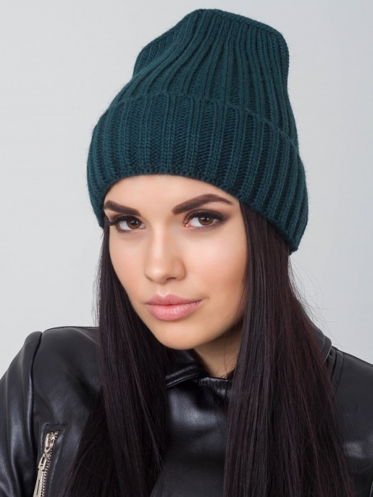 Зеленая шапка.