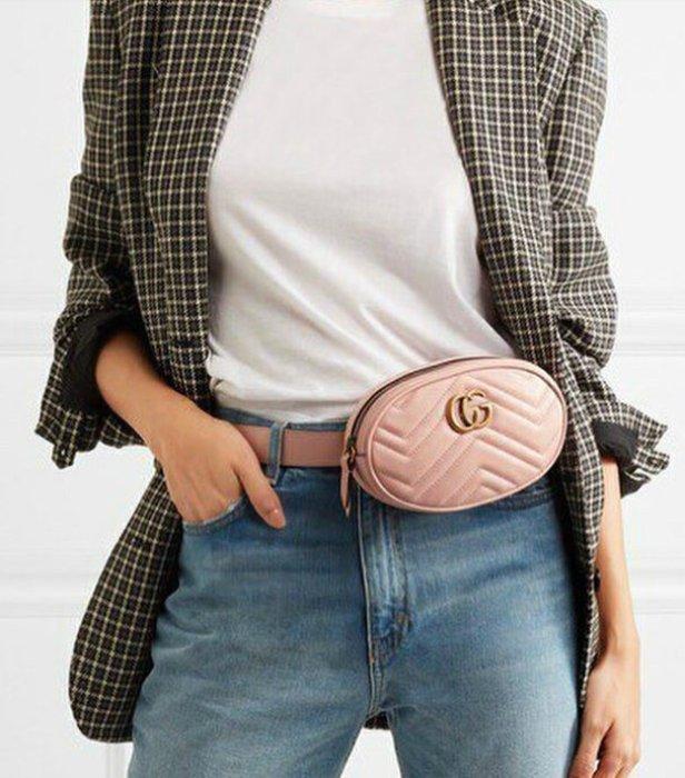 Розовая сумка на пояс.