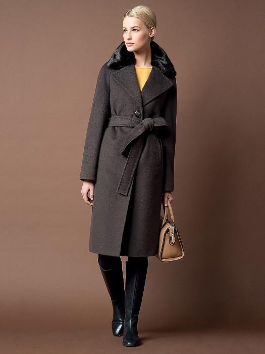 пальто с поясом.