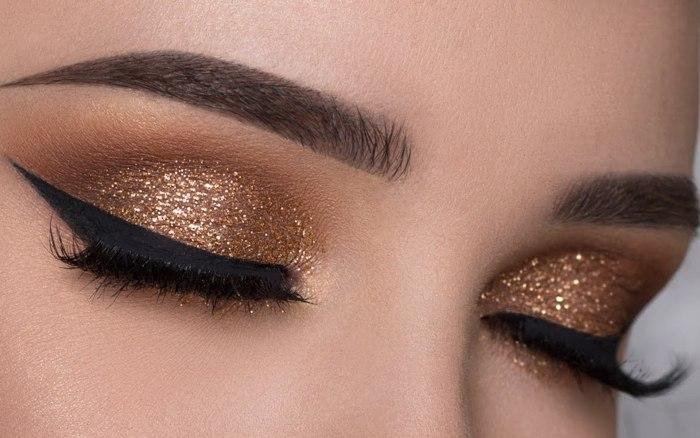 Золотой макияж.
