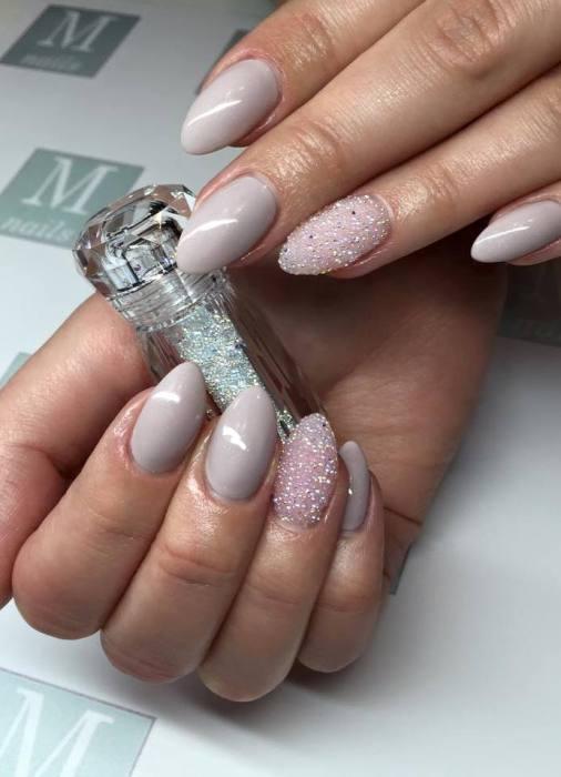 дизайн ногтей с кристаллами