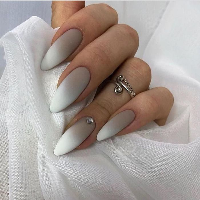 Градиент на ногтях.