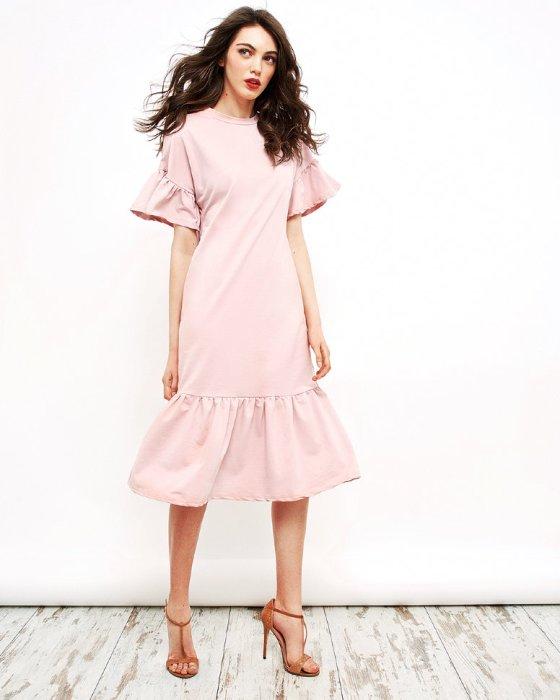 Платье с рюшами.