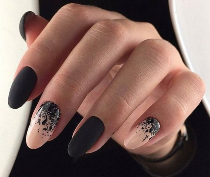 Миндальные ногти.