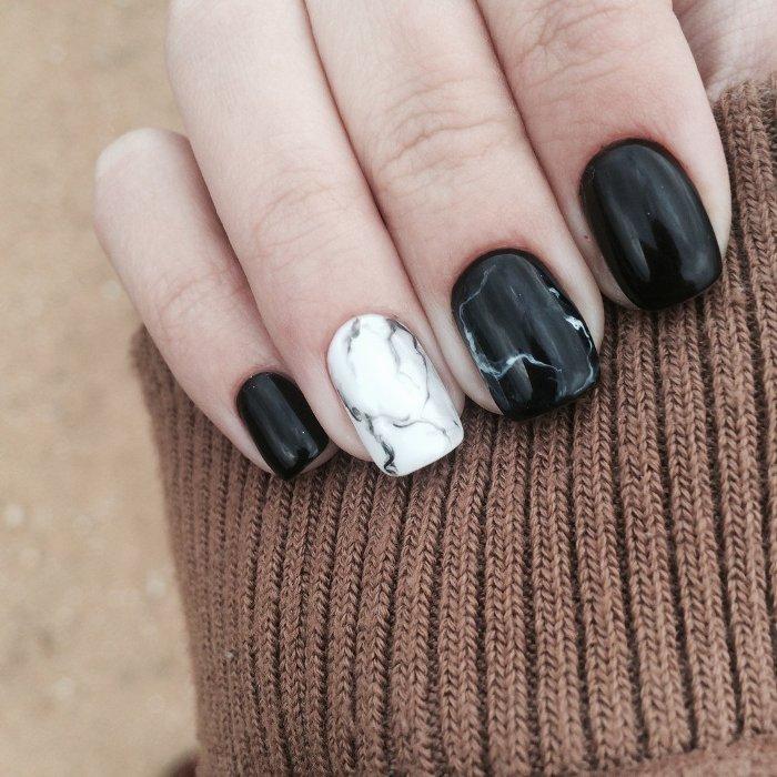 Мраморные ногти.