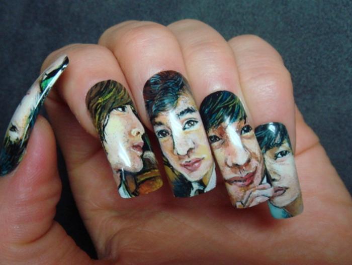 портрет на ногтях.