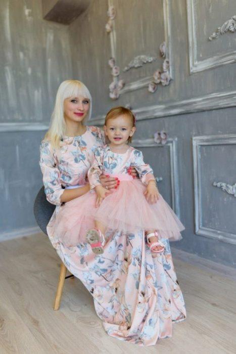 Платья мама-дочка.