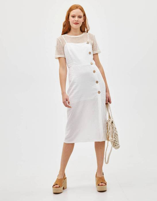 Платье миди с пуговицами.