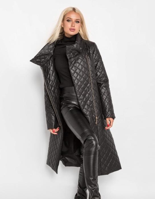 Стеганное пальто.