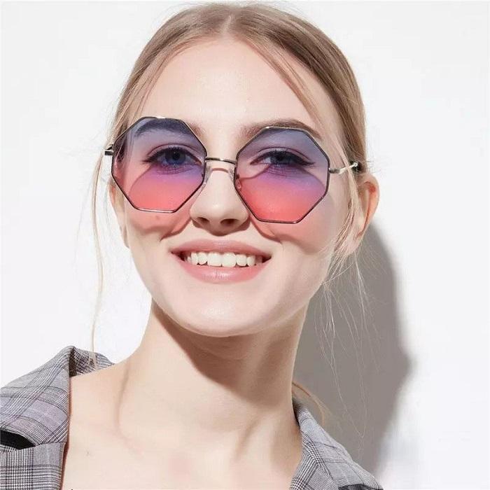 Многогранные очки.