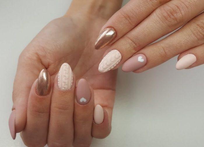 нюдовый дизайн ногтей.