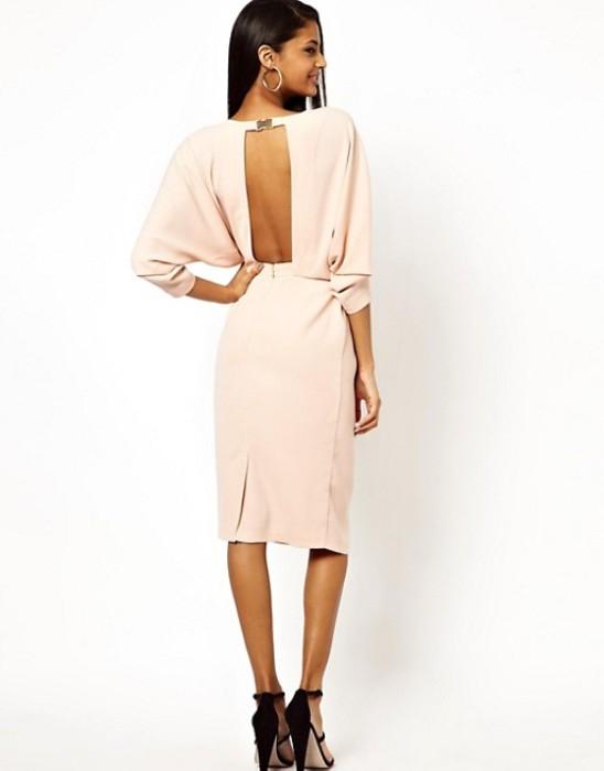 Модное платье миди.