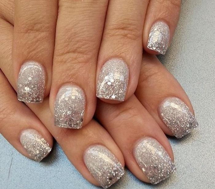 праздничный дизайн ногтей.