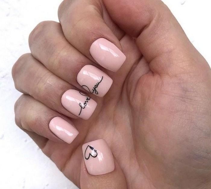 Креативные ногти.