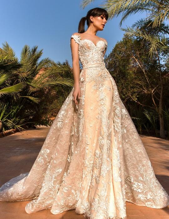 Свадебное платье айвори.