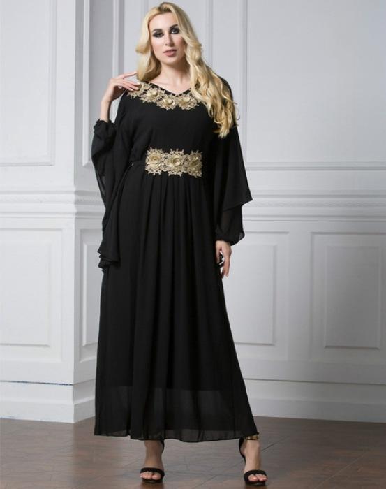 Модное черное платье.