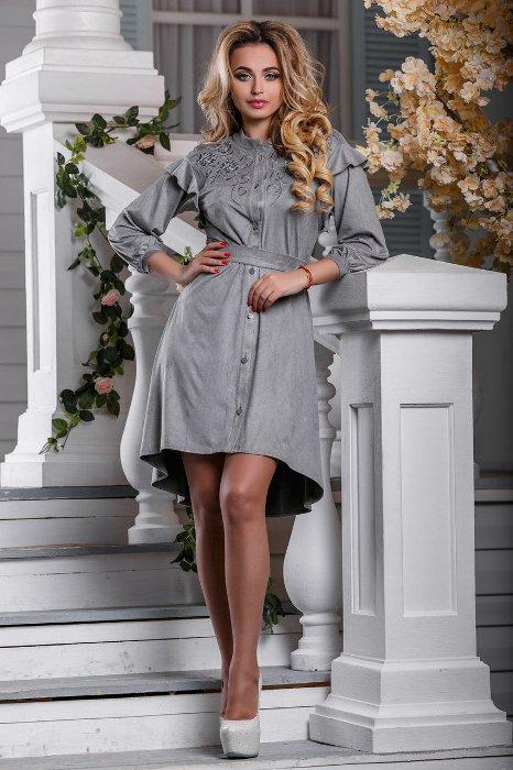 Серое платье-рубашка