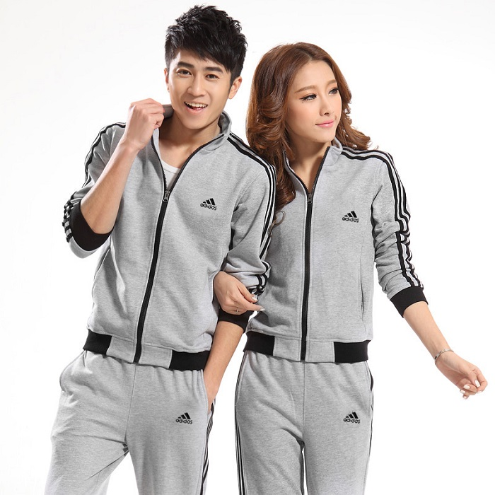 Модная спортивная одежда.
