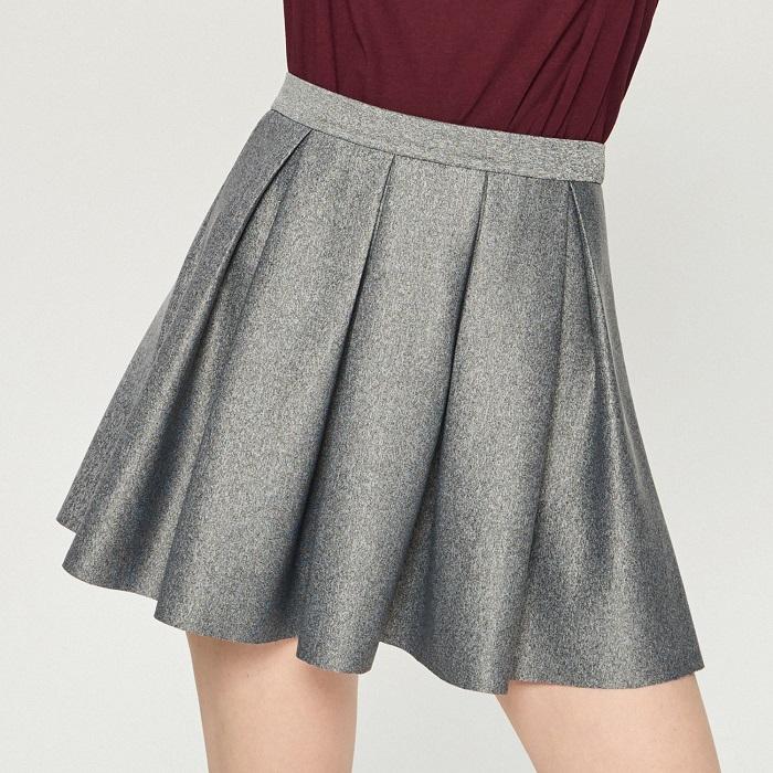 Элегантная серая юбка.