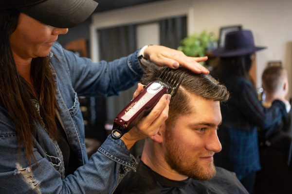 Как выбрать курсы по обучению парикмахера правильно