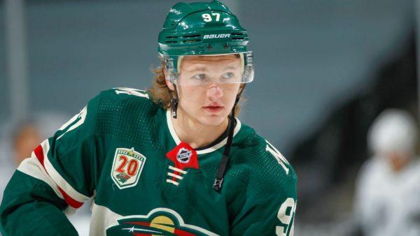 Одна из самых обсуждаемых тем этим летом – российский хоккеист Кирилл Капризов и его новый контракт.