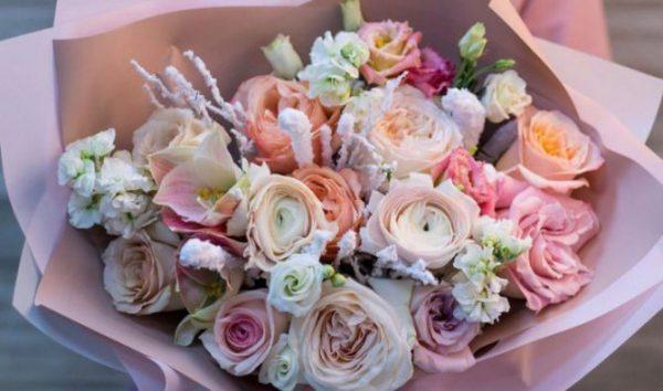 Букеты цветов с доставкой – почему это самый краткий путь к женскому сердцу
